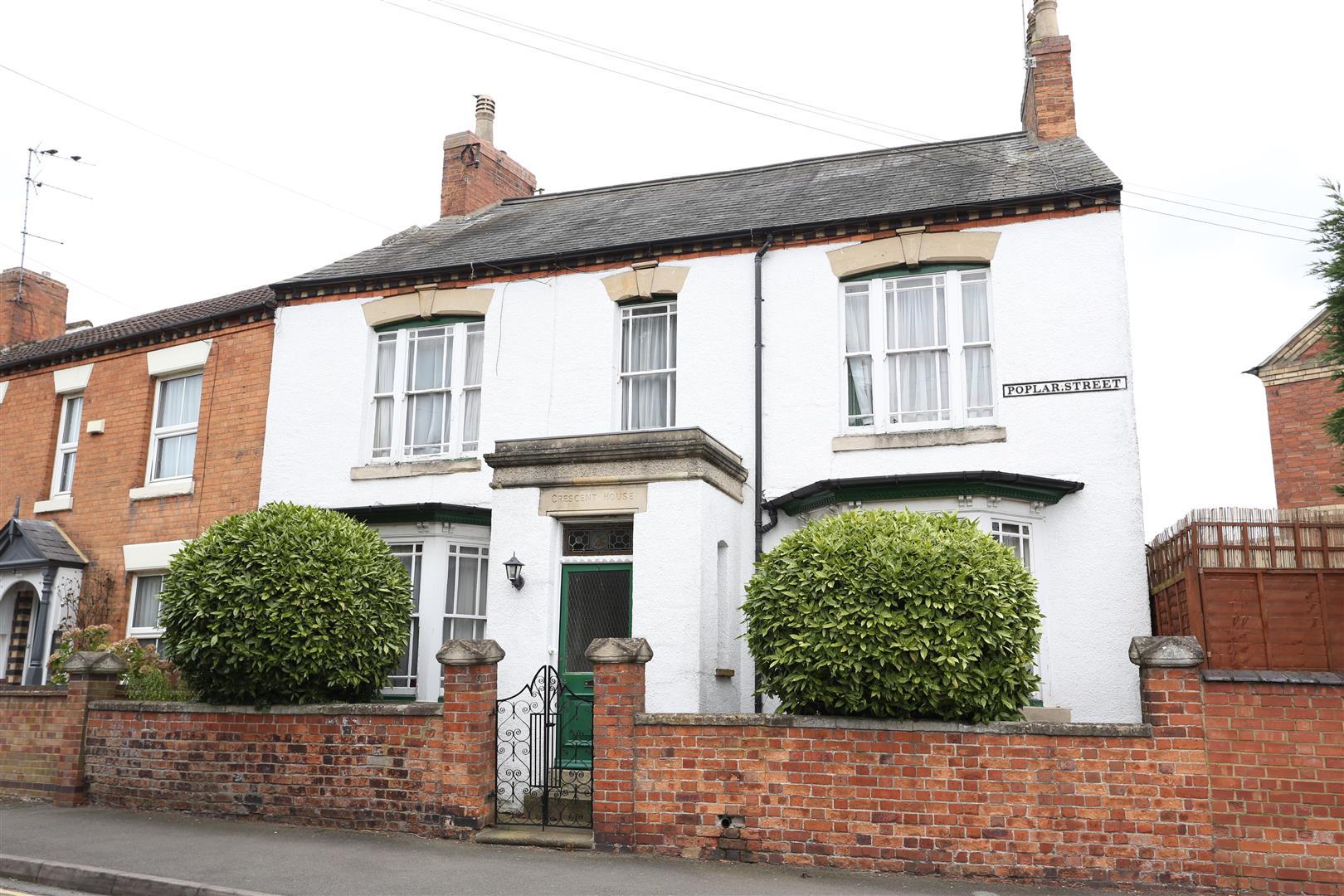 3 Bedrooms Semi Detached House for sale in Poplar Street, Wellingborough